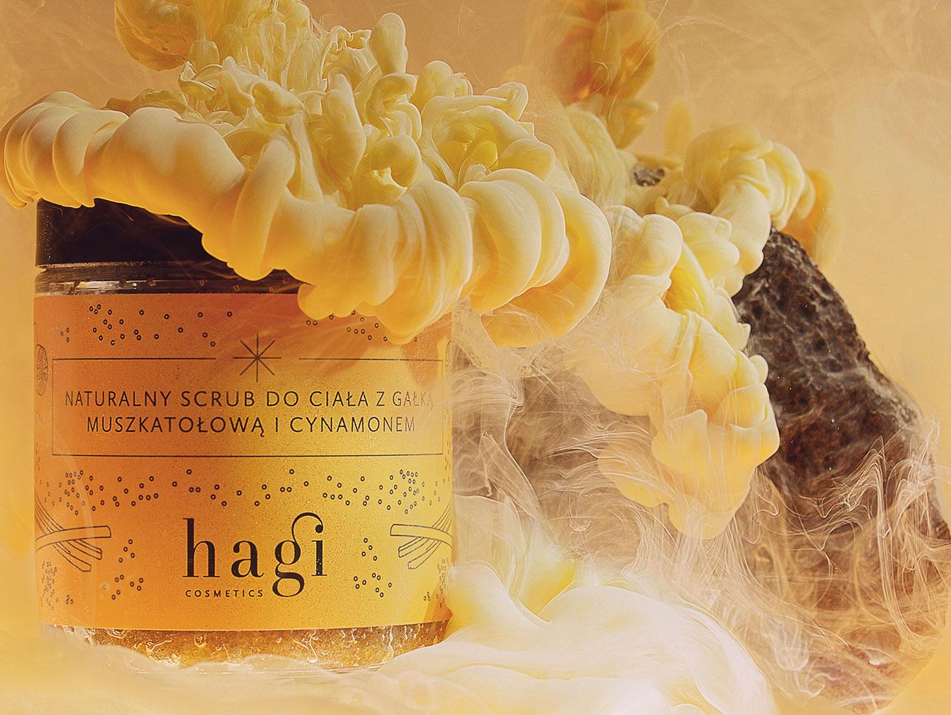 naturany scrub do ciałą z gałką muszkatołową i cynamomen - hagi cosmetics